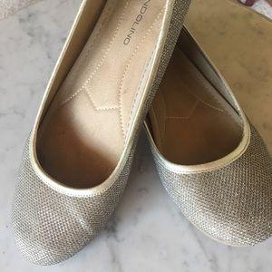 Bandolino Gold Glitter Flats